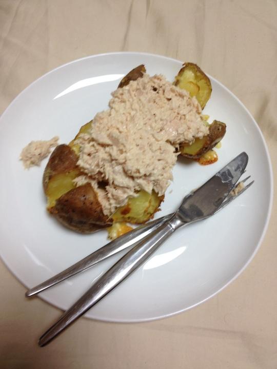 I had jacket potato at Sam's! I miss ovens >.<